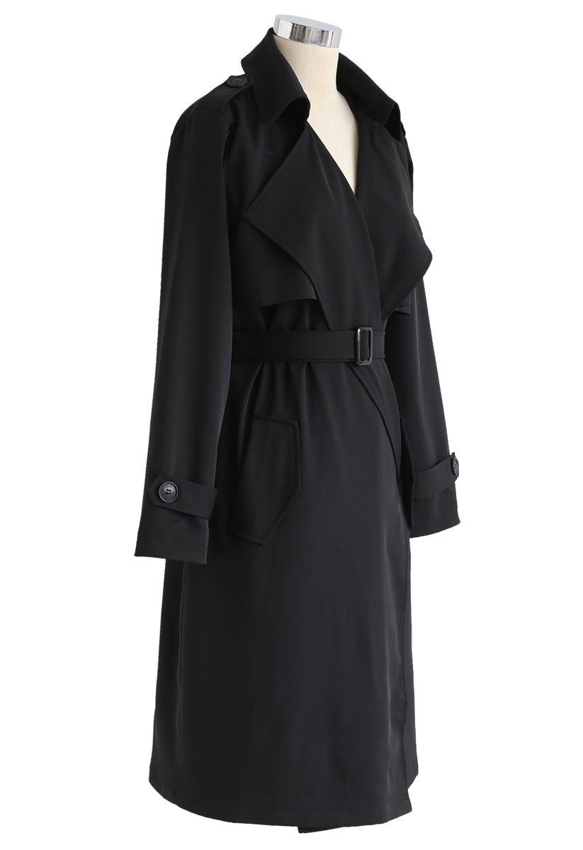 Manteau ceinturé à poches ouvertes sur le devant en noir