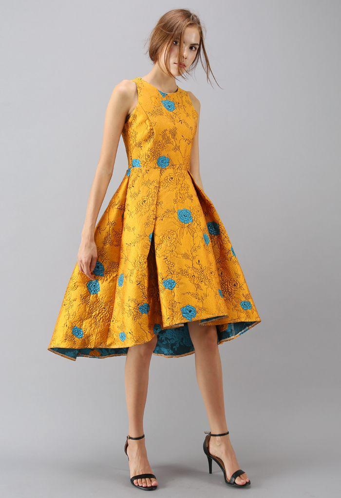 Robe à jacquard de roses dorées estampées