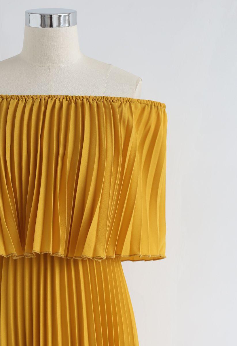 Robe longue plissée à épaule dénudée – couleur Moutarde