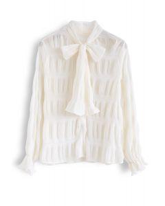 Chemise à manches froncées et col bowknot en crème
