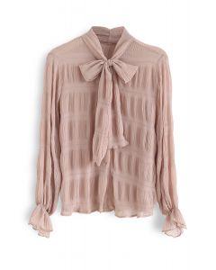 Chemise à manches froncées et nœud papillon en corail