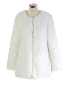 Manteau en fausse fourrure Chicwish Glam blanc