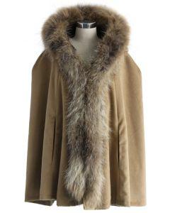 Cape de luxe à capuche en fausse fourrure couleur kaki