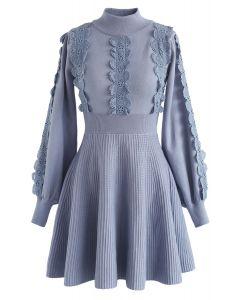 Amiable Attraction - Robe en maille à doublure en crochet dans un bleu poudré