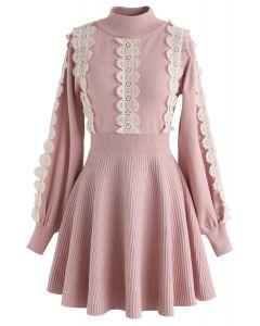 Amiable Attraction - Robe en maille à dos rayé et crochet en rose