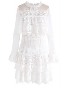 Sweet Destiny - Robe en maille de crochet à volants en blanc