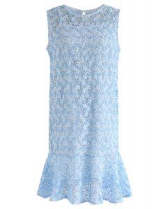 Brand New Love Robe au crochet sans manches en bleu