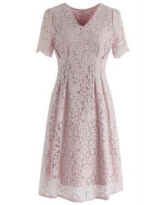 Robe mi-longue en dentelle Mon genre d'amour en rose