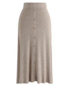 Jupe mi-longue en tricot côtelé à boutonnage sur le devant, brun clair